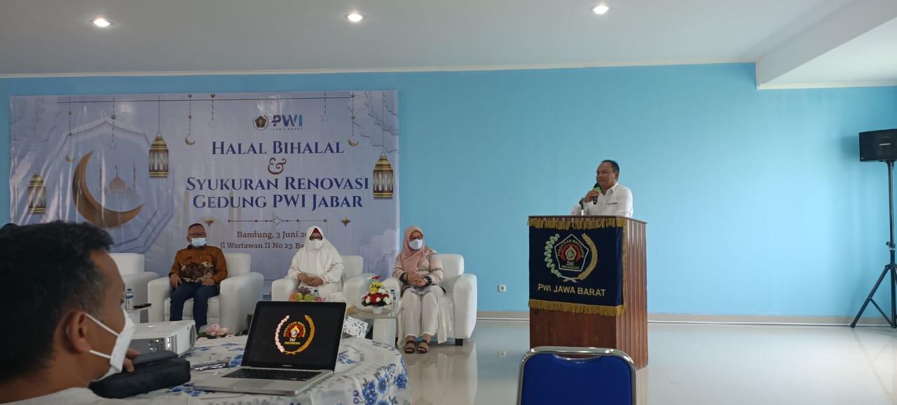 halal-bihalal-dan-syukuran-renovasi-gedung-pwi-jabar-21060505574073.jpeg