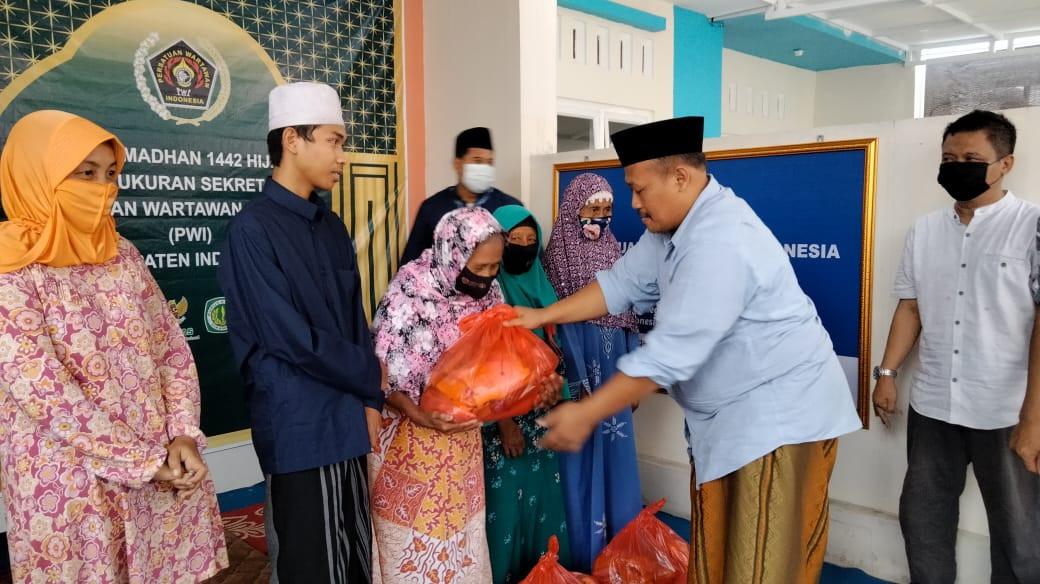 kegiatan-iftar-ramadhan-1442-h-pwi-indramayu-berbagi-21050709511018.jpeg
