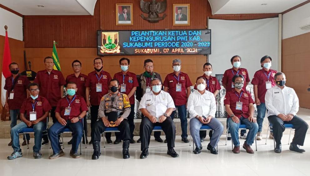 Asep Solihin Resmi Jadi Ketua PWI Kabupaten Sukabumi Periode 2020-2023