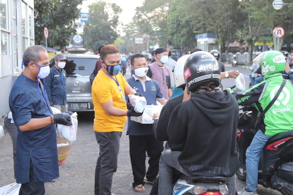 Ketiga Kalinya, PWI Kota Bandung Kembali Berbagi Rezeki