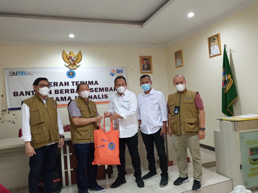 Sinergi BRI dan PWI Peduli Jabar, Salurkan Bantuan bagi Warga Terdampak Pandemi