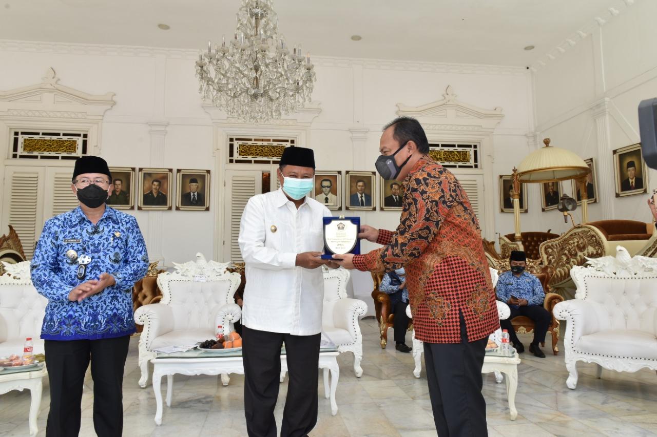 Wagub Jabar dan Bupati Cianjur Raih Penghargaan Kepala Daerah Peduli Jurnalis